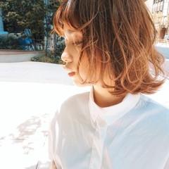 ウルフカット 切りっぱなしボブ ショートヘア インナーカラー ヘアスタイルや髪型の写真・画像