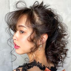 簡単ヘアアレンジ ヘアアレンジ ふわふわヘアアレンジ セミロング ヘアスタイルや髪型の写真・画像