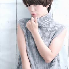 ショート 簡単ヘアアレンジ 外国人風 パーマ ヘアスタイルや髪型の写真・画像