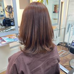 ミディアム 美シルエット ピンク ピンクベージュ ヘアスタイルや髪型の写真・画像