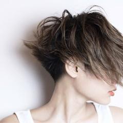 モード 刈り上げ ナチュラル 大人女子 ヘアスタイルや髪型の写真・画像