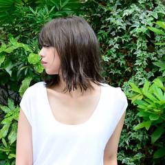 アッシュ アンニュイ ミディアム アッシュグレージュ ヘアスタイルや髪型の写真・画像