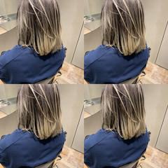 ミディアム モード インナーカラー ショートヘア ヘアスタイルや髪型の写真・画像
