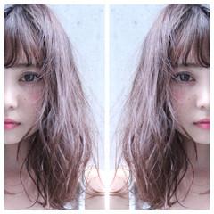 ワイドバング 大人かわいい 外国人風 ナチュラル ヘアスタイルや髪型の写真・画像