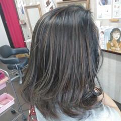 ハイライト 大人ハイライト ナチュラル ミディアム ヘアスタイルや髪型の写真・画像
