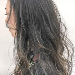 グレージュ ナチュラル 大人かわいい 外国人風カラー ヘアスタイルや髪型の写真・画像