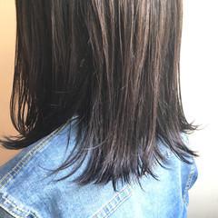 グレージュ ミディアム 暗髪 ダブルカラー ヘアスタイルや髪型の写真・画像