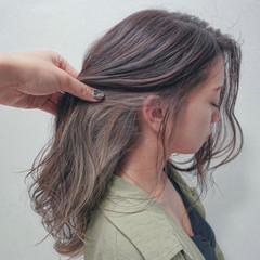 インナーカラー ブリーチカラー 髪質改善トリートメント ミルクティーベージュ ヘアスタイルや髪型の写真・画像