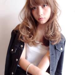ストリート ウェーブ ミディアム モード ヘアスタイルや髪型の写真・画像