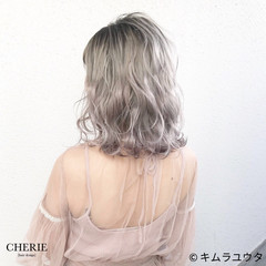 ガーリー ブリーチ ホワイト ハイトーン ヘアスタイルや髪型の写真・画像