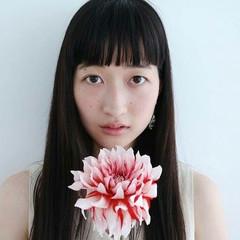 女子会 ロング 黒髪 アンニュイ ヘアスタイルや髪型の写真・画像