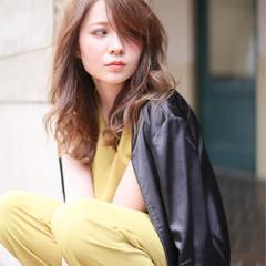 前髪あり かき上げ前髪 セミロング 大人女子 ヘアスタイルや髪型の写真・画像