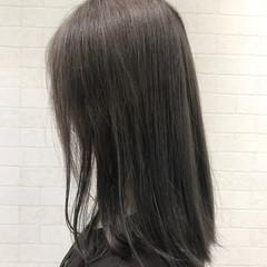 ストリート 外国人風カラー セミロング グレージュ ヘアスタイルや髪型の写真・画像