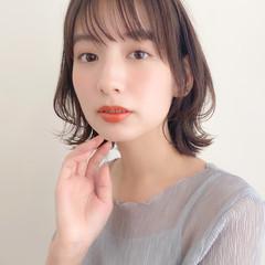 ナチュラル 小顔 髪質改善トリートメント アンニュイほつれヘア ヘアスタイルや髪型の写真・画像