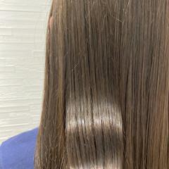 ナチュラル グレージュ 艶髪 ロング ヘアスタイルや髪型の写真・画像