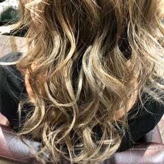 ロング ナチュラル ヘアアレンジ イルミナカラー ヘアスタイルや髪型の写真・画像