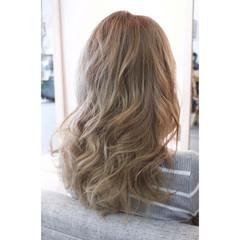 アンニュイ ウェーブ ヘアアレンジ ガーリー ヘアスタイルや髪型の写真・画像