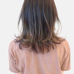 グラデーションカラー ストリート アッシュグレージュ バレイヤージュ ヘアスタイルや髪型の写真・画像