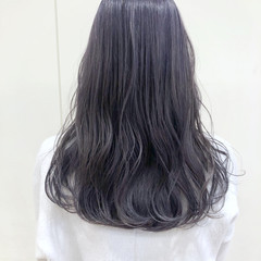 グレージュ ナチュラル セミロング ブリーチカラー ヘアスタイルや髪型の写真・画像
