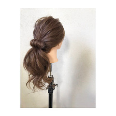ロング ナチュラル ローポニーテール ポニーテール ヘアスタイルや髪型の写真・画像