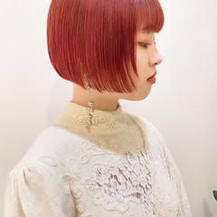 ミニボブ インナーカラー ピンクベージュ ナチュラル ヘアスタイルや髪型の写真・画像