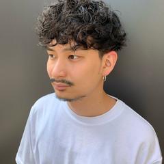 無造作パーマ 黒髪 ストリート メンズヘア ヘアスタイルや髪型の写真・画像