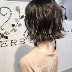 リラックス ハイライト ボブ イルミナカラー ヘアスタイルや髪型の写真・画像