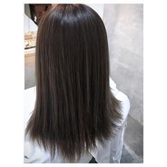 ハイライト ミディアム ナチュラル グレージュ ヘアスタイルや髪型の写真・画像