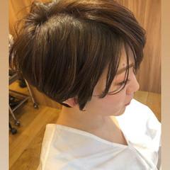 デート フェミニン オフィス ショート ヘアスタイルや髪型の写真・画像