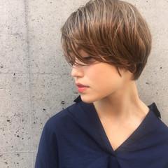 かっこいい 大人かわいい ハイライト ショート ヘアスタイルや髪型の写真・画像