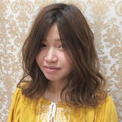 外国人風 ミディアム ウェーブ 外国人風カラー ヘアスタイルや髪型の写真・画像