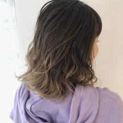 ミディアム バレイヤージュ ハイトーン 3Dハイライト ヘアスタイルや髪型の写真・画像