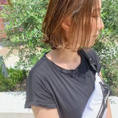 インナーカラー ボブ ナチュラル 切りっぱなしボブ ヘアスタイルや髪型の写真・画像