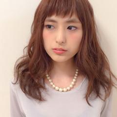 外国人風 前髪あり ゆるふわ フェミニン ヘアスタイルや髪型の写真・画像