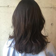 ナチュラル 冬 暗髪 アッシュ ヘアスタイルや髪型の写真・画像