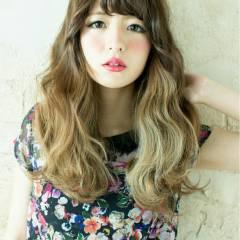 アッシュ ナチュラル 外国人風カラー ロング ヘアスタイルや髪型の写真・画像