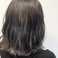 グラデーション ブリーチ グレー ミディアム ヘアスタイルや髪型の写真・画像