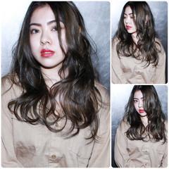ダブルカラー ハイトーン ブリーチ ロング ヘアスタイルや髪型の写真・画像