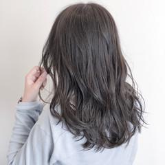 フェミニン 暗髪 セミロング アッシュグレージュ ヘアスタイルや髪型の写真・画像