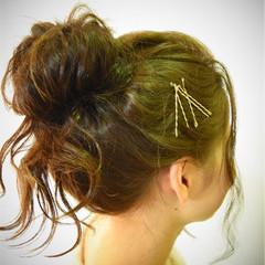 メッシーバン ゆるふわ 春 愛され ヘアスタイルや髪型の写真・画像