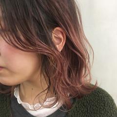 こなれ感 ミディアム ピンク ハイトーン ヘアスタイルや髪型の写真・画像