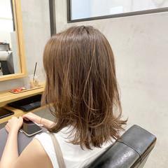 韓国風ヘアー レイヤースタイル 外ハネ セミロング ヘアスタイルや髪型の写真・画像