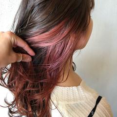 ピンクラベンダー セミロング ピンクバイオレット インナーカラー ヘアスタイルや髪型の写真・画像