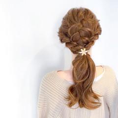 セミロング アウトドア フェミニン オフィス ヘアスタイルや髪型の写真・画像