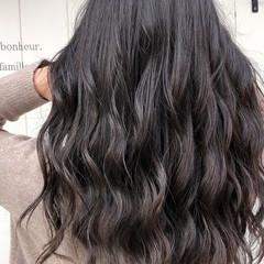 イルミナカラー グレージュ ロング フェミニン ヘアスタイルや髪型の写真・画像