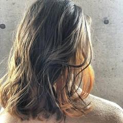 インナーカラーオレンジ セミロング 可愛い インナーカラー ヘアスタイルや髪型の写真・画像