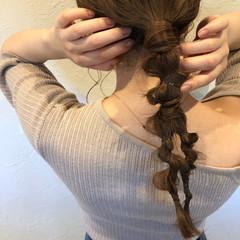 ローポニーテール ゴムだけアレンジ 簡単ヘアアレンジ ポニーテール ヘアスタイルや髪型の写真・画像