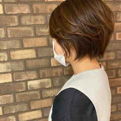 ショート 艶髪 ハンサムショート ナチュラル ヘアスタイルや髪型の写真・画像