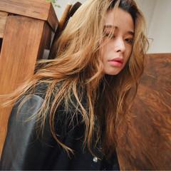 外国人風 グラデーションカラー ハイライト 大人かわいい ヘアスタイルや髪型の写真・画像