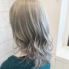 ハイトーン ミディアム ハイトーンカラー ブリーチ ヘアスタイルや髪型の写真・画像
